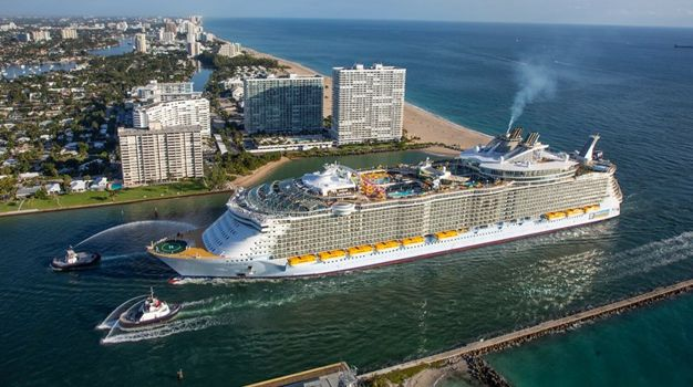 Oasis of the Seas в порту Эверглейдс, Флорида
